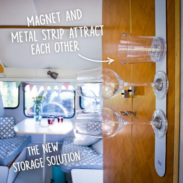 Metal strip for magnetic glasses
